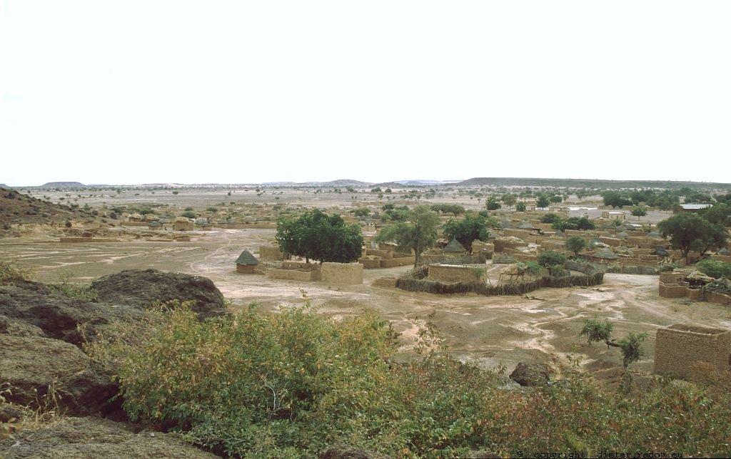 101 Burkina Faso Dorf im Sahel