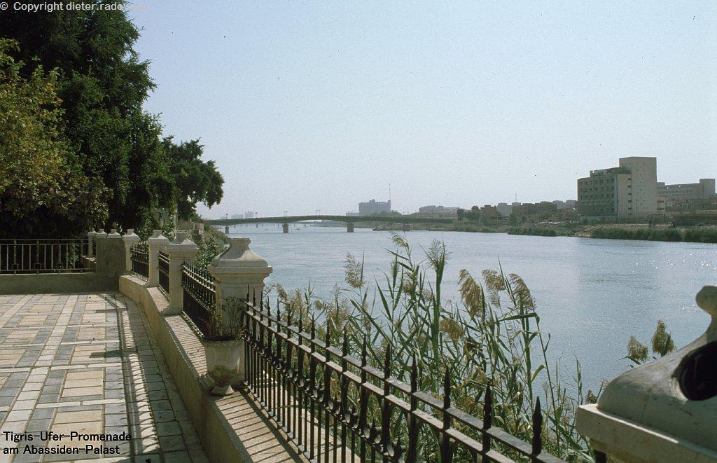 224 Euphrat-Ufer am Abbasiden-Palst