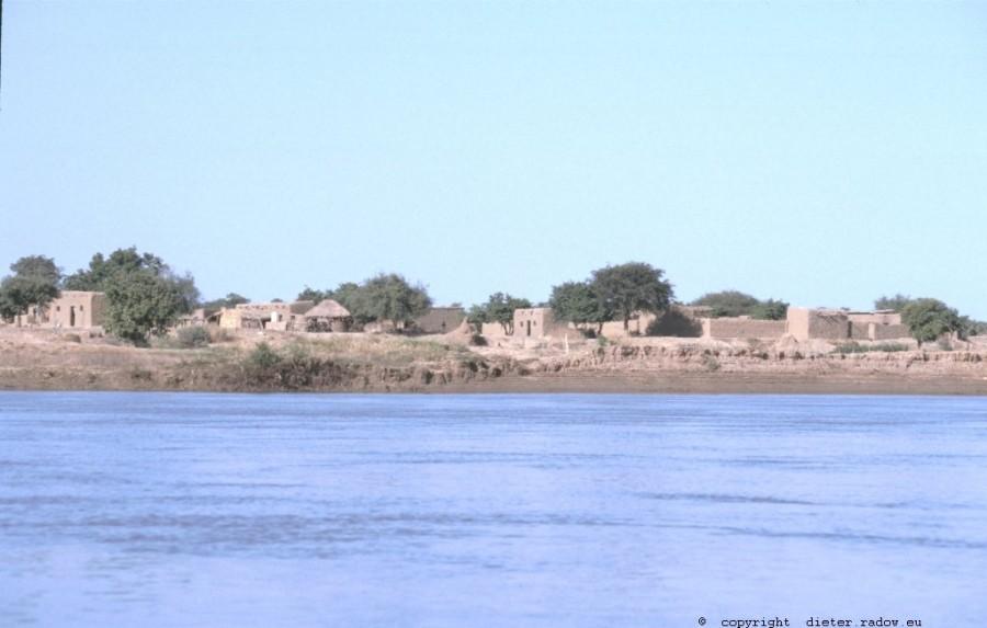 341Tschad 3  Flußlandschaft am unteren Chari