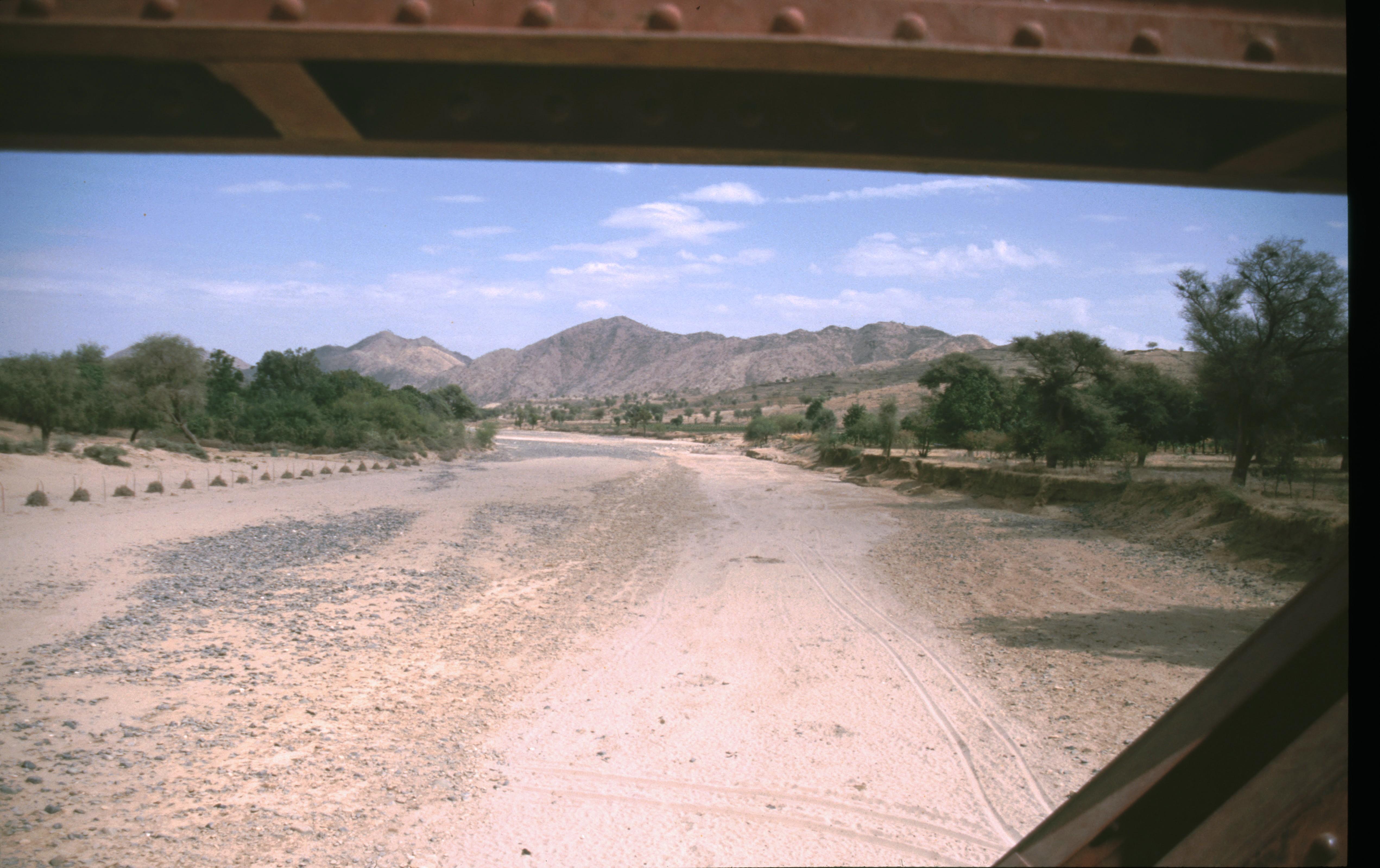 654 Grenze Eritrea-Äthiopien verläuft im Wadi