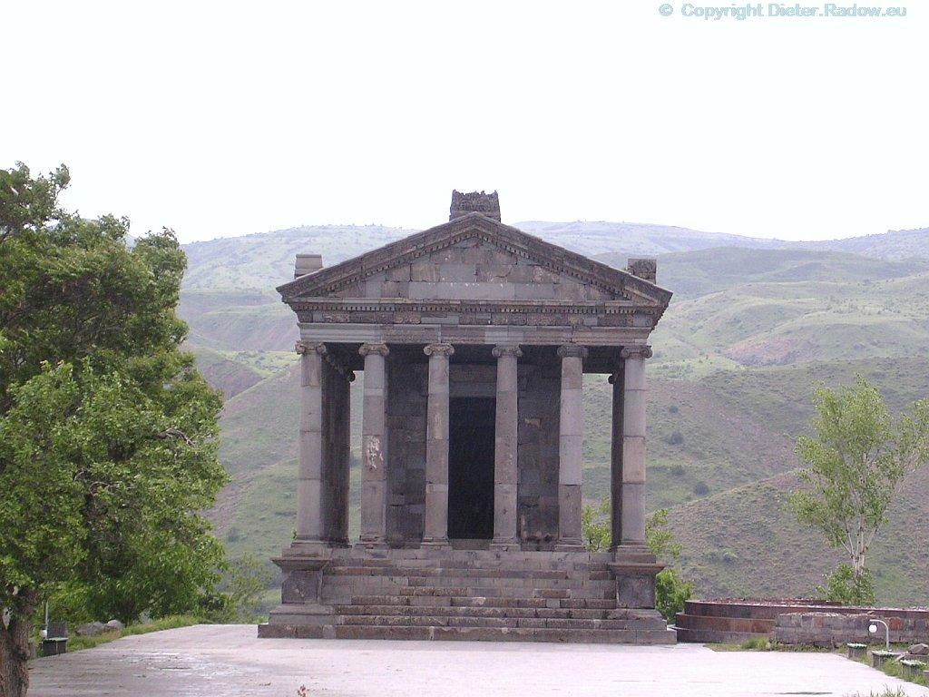 Armenia Gori 2005  -  temple of a Parthian king