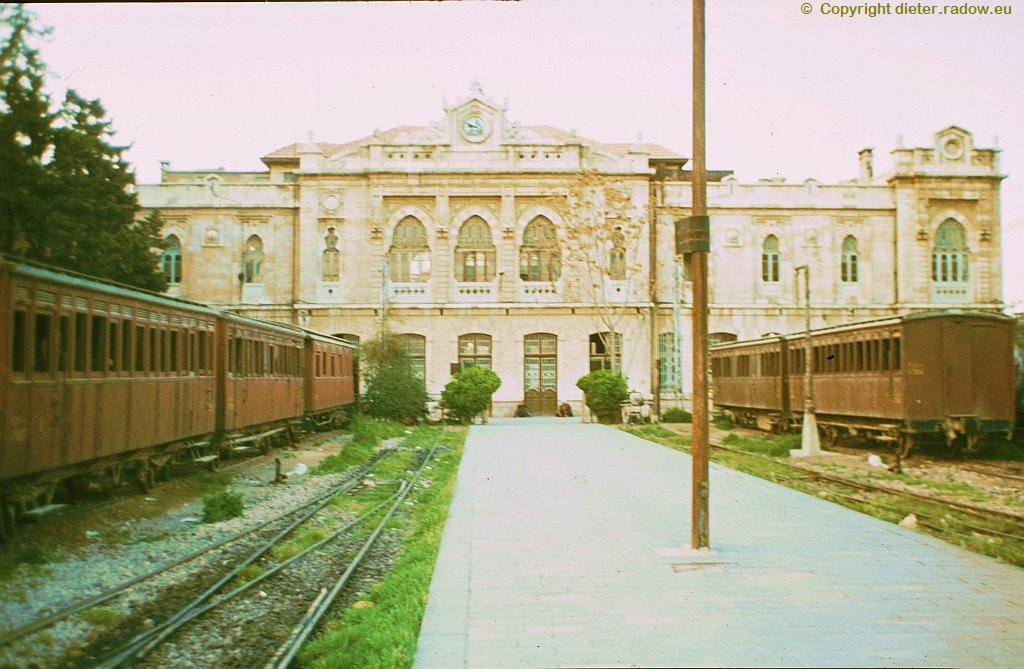 94 Damaskus Bahnhof-Perron-Seite