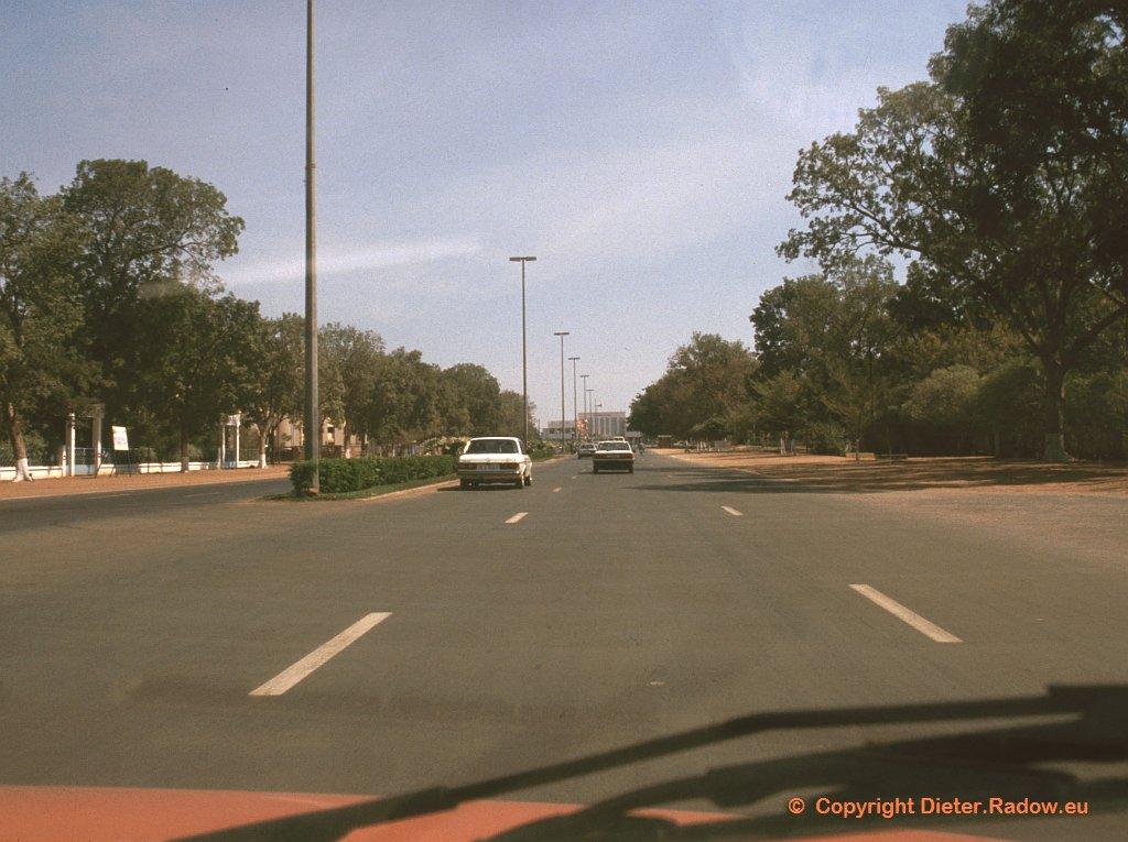 Ouagadougou 1996  -  Paradestraße