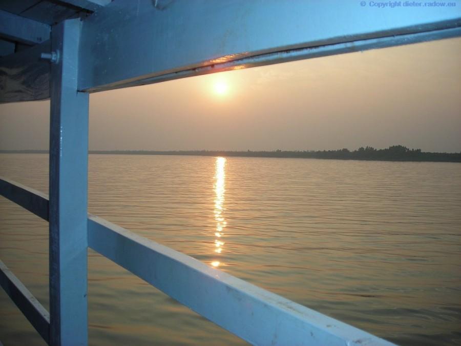 Bangladesh  Abendstimmung im Ganges-Delta Sundarban 23 XXX