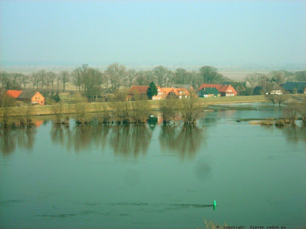 DS Elbe bei Dömitz
