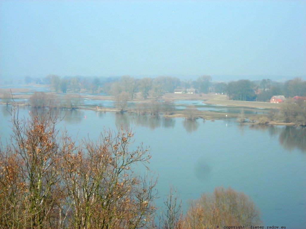 DS Elbe bei Dömitz 1