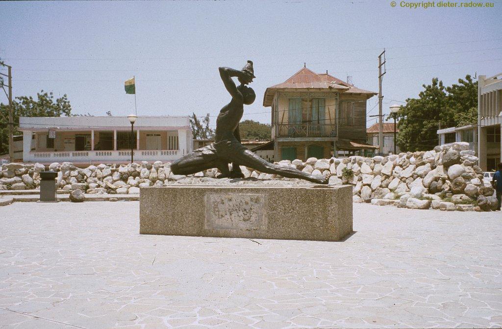 "Port-au-Prince 2002 - Skulptur ""Le Marron inconnu"""