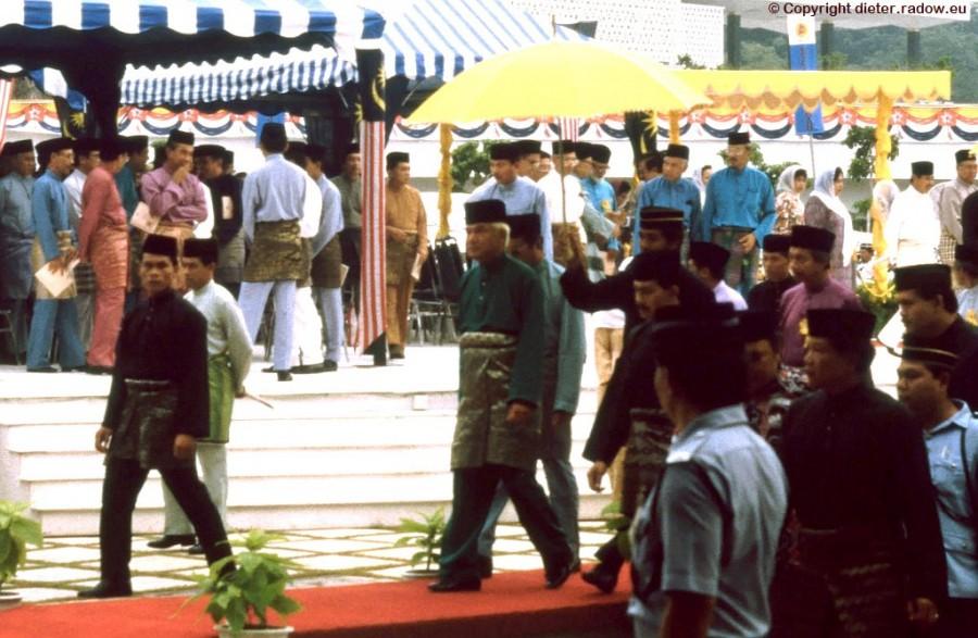 Kuala Lumpur-042 der König wird hinausgeleitet