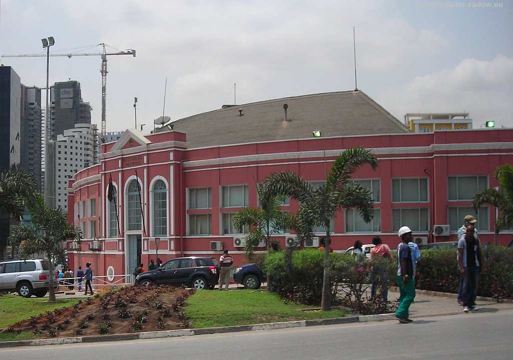 Luanda Altstadt Parlamentsgebäude