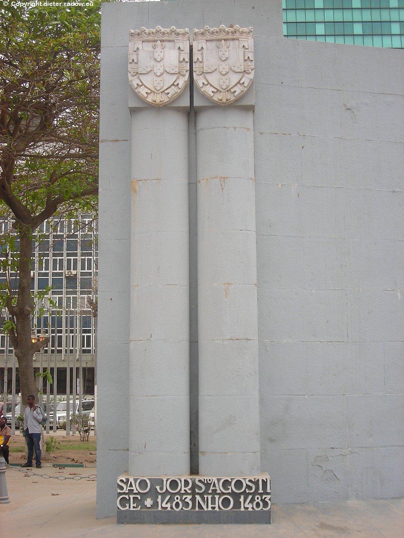 Luanda - Denkmal zur Entdeckung Angolas in 1483