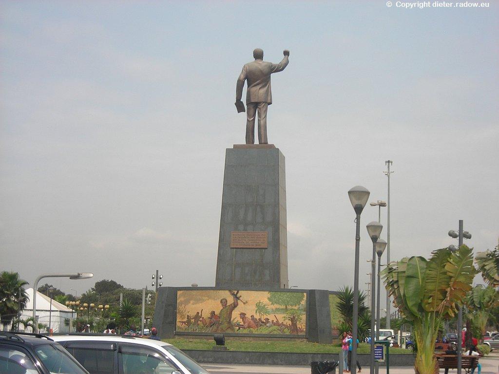 Luanda - Freiheitsdenkmal 1975
