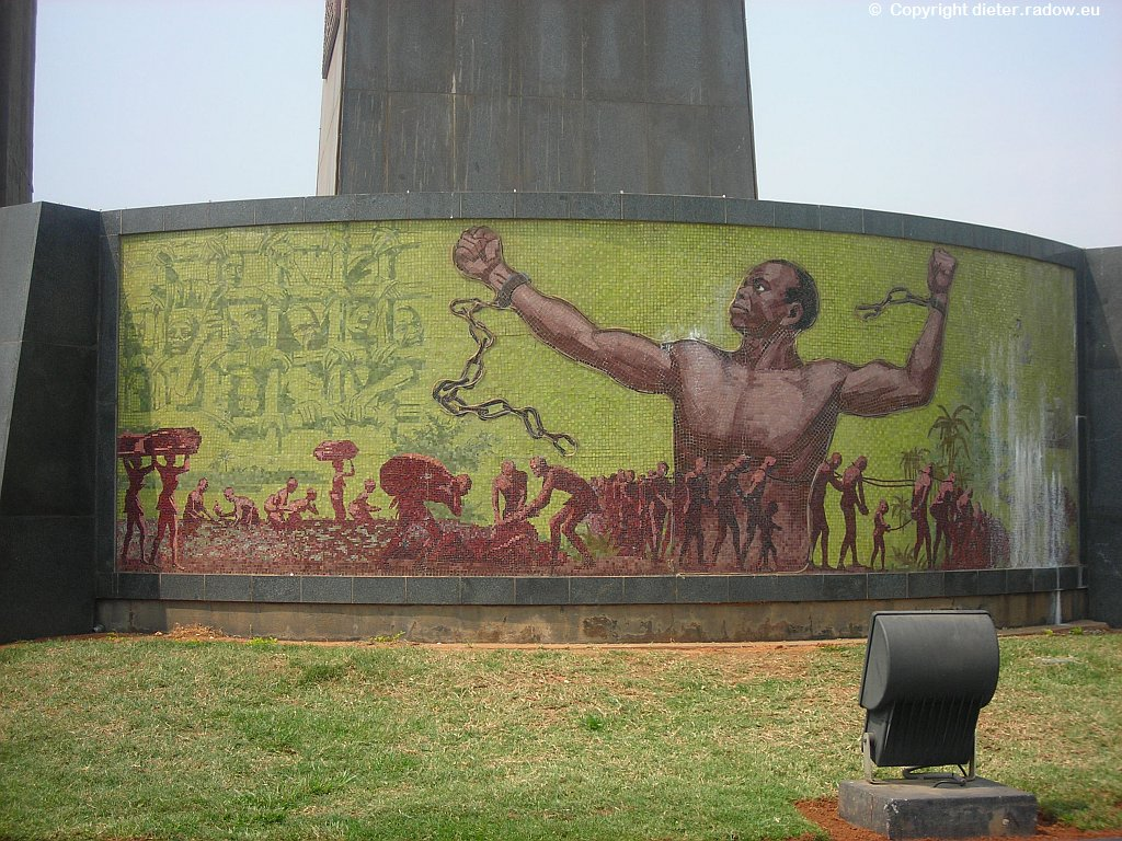 Luanda Freiheitsdenkmal