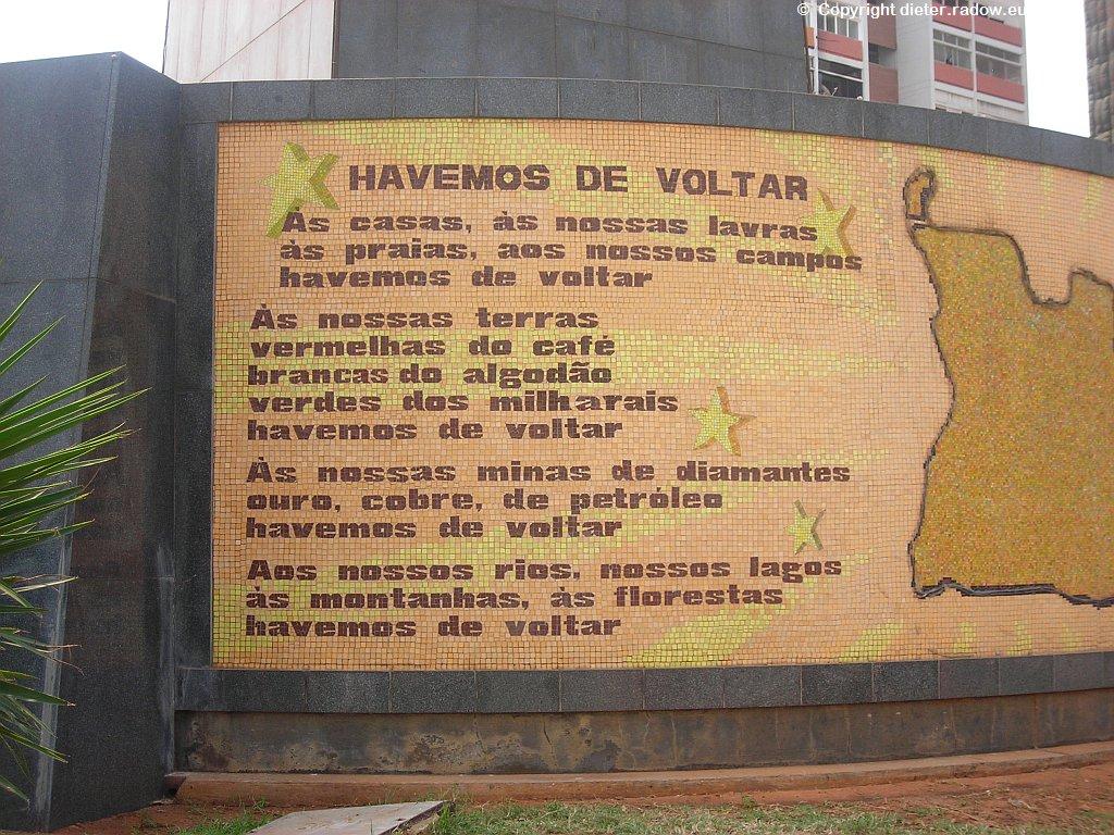 Luanda: Inschriften zur Verherrlichung des Reichtums und der Schönheit Angolas