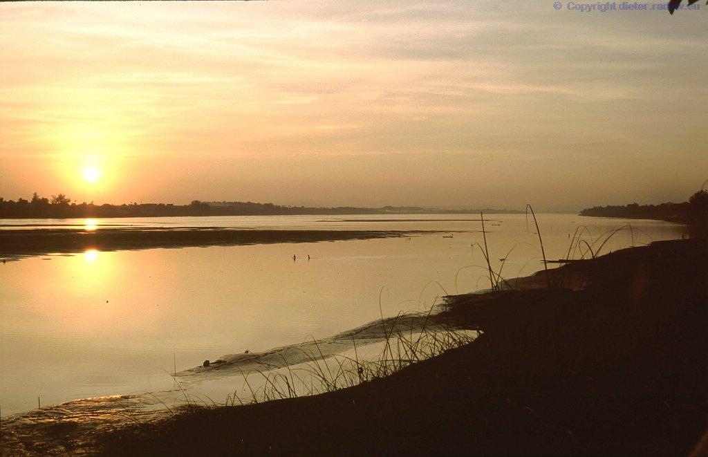 Laos Sonnenuntergang am Mekong