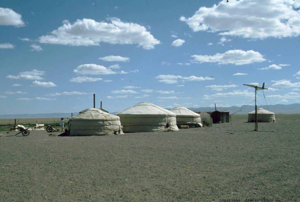 Mongolei Nomaden-Zelte -mit nomadischer-Elektrizitäts-Erzeugngs-Anlage