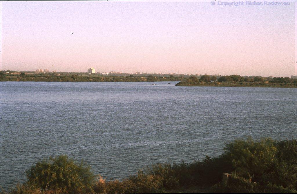 Sudan 1990 bei Omdurman unterhalb Kharthums - Zusamenfluß von Weißem und Blauem Nil