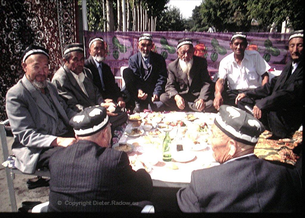 UT Buchara 446 die Stammesältesten