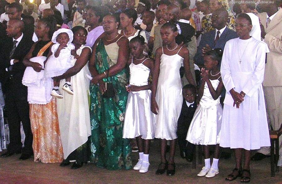 ZT Ruanda Massentaufe neu