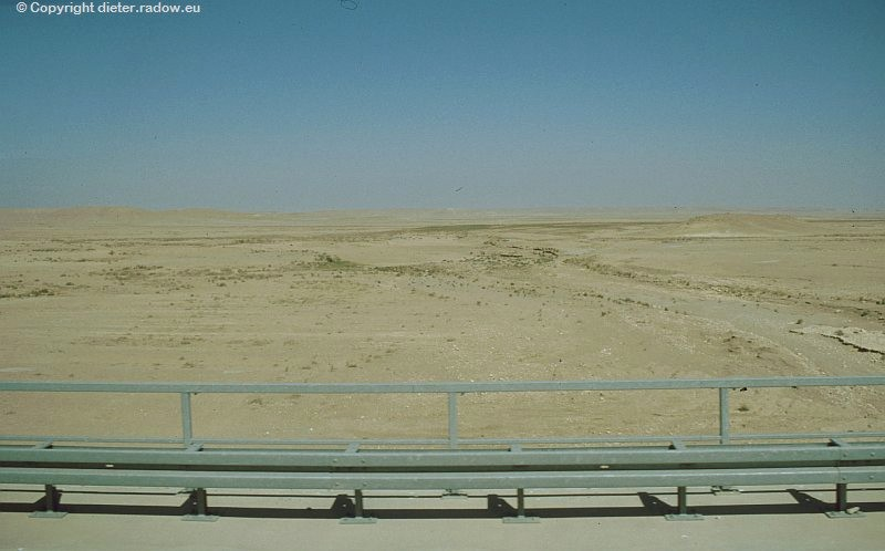Zz Irak  Autobahnbrücke über Wadi