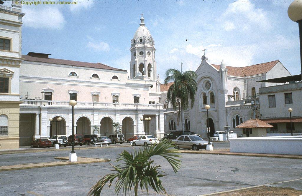 Panama – 2003 – San Felipe is the historic colonial centre of Panama City. ° ° ° San Philippe, die historische Altstadt im spanischen Kolonial-Stil.