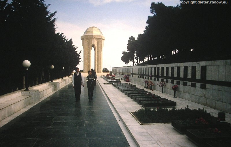 Aserbaidjan Heldenfriedhof vom Kampf gegen Armenien um Karabach