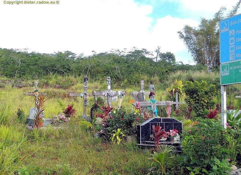 Neukaledonien 3 Straßenrandgrab