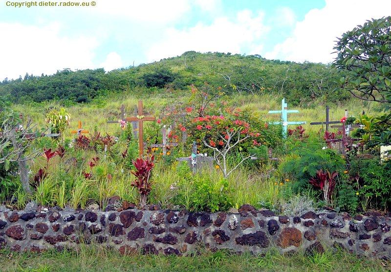Neukaledonien 4 Straßenrandgräber