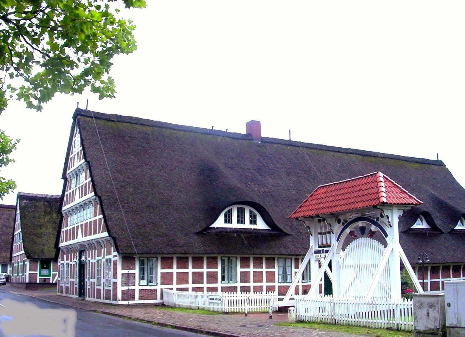 e-altes-land-std-1850-mit-prunkpforte